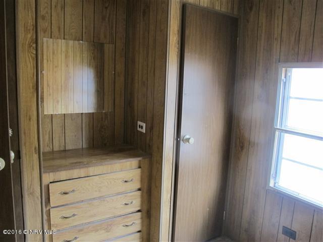 Mobile Home Single, Detached - Pearisburg, VA (photo 5)