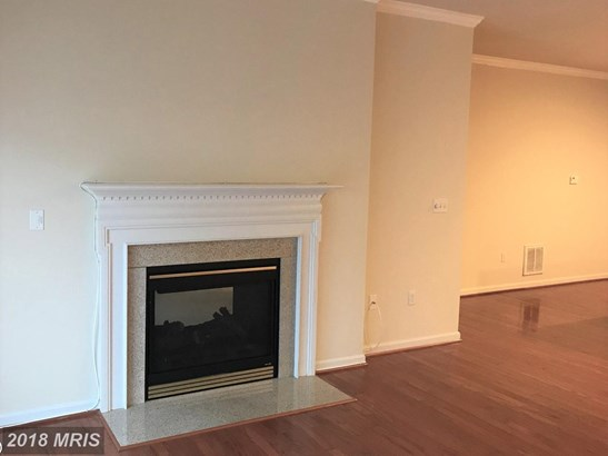 Townhouse, Contemporary - DOWELL, MD (photo 2)