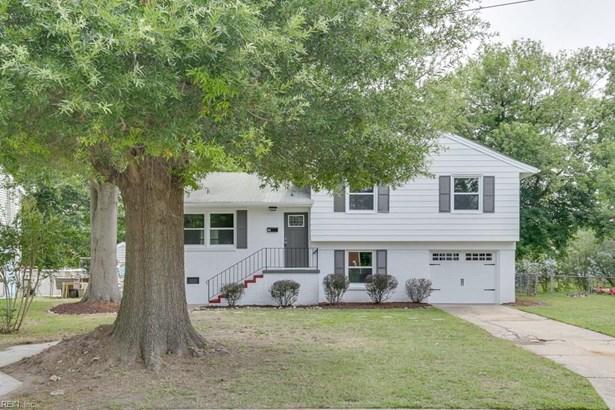 Tri-Level, Single Family - Hampton, VA (photo 2)