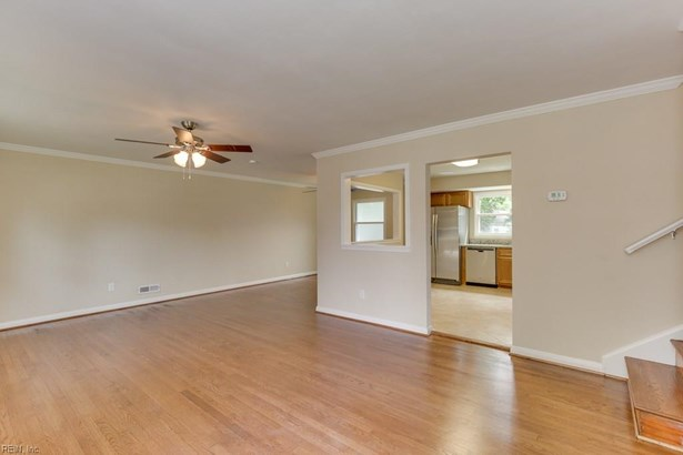 Tri-Level, Single Family - Hampton, VA (photo 4)