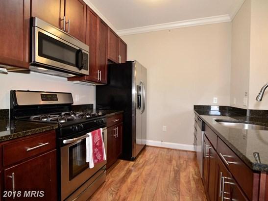 Mid-Rise 5-8 Floors, Traditional - ALEXANDRIA, VA (photo 5)