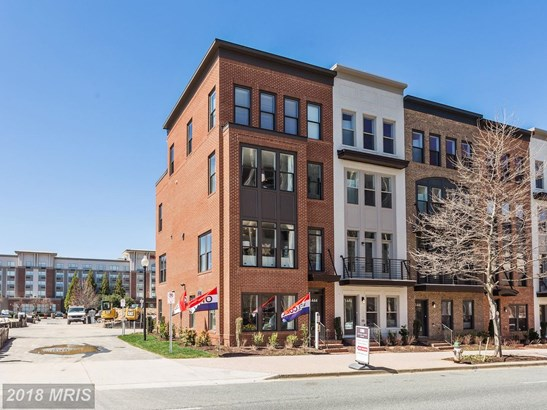 Transitional, Townhouse - ROCKVILLE, MD (photo 1)