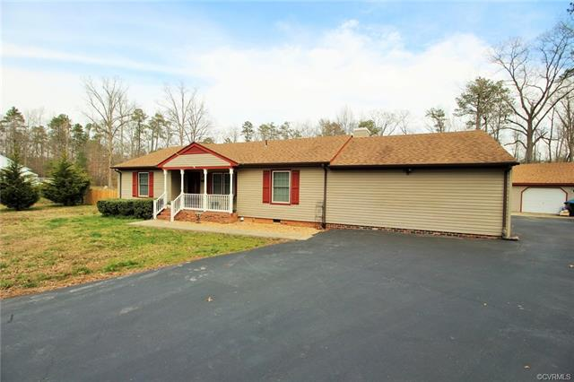 Ranch, Single Family - Sandston, VA (photo 3)