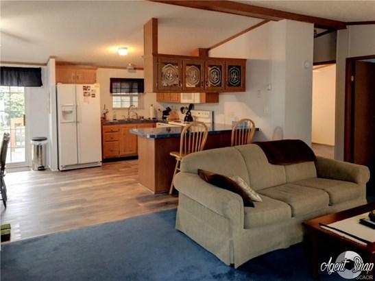 Mobile Home, Double Wide - Long Neck, DE (photo 4)