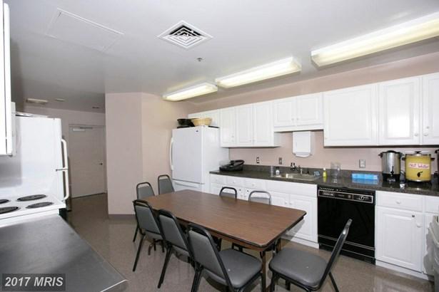 Hi-Rise 9+ Floors, Beaux Arts - NORTH BETHESDA, MD (photo 5)