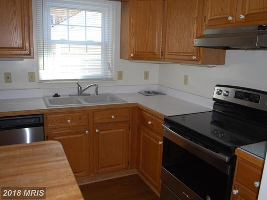 Townhouse, Colonial - MARTINSBURG, WV (photo 4)