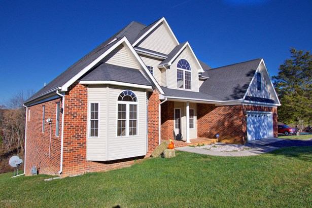 Traditional, Detached - Christiansburg, VA (photo 3)