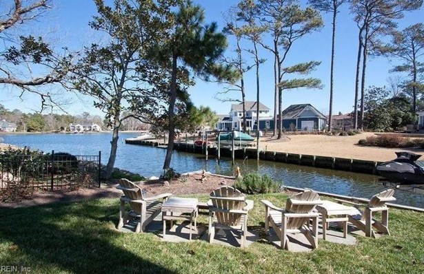 Transitional, Single Family - Virginia Beach, VA (photo 2)