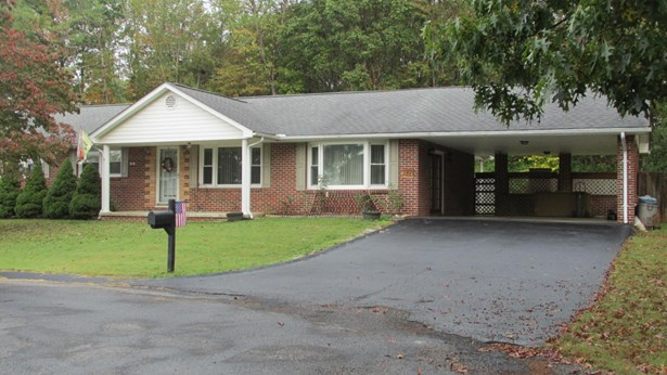 Ranch, Detached - Fairlawn, VA (photo 1)