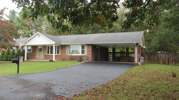 Ranch, Detached - Fairlawn, VA (photo 2)