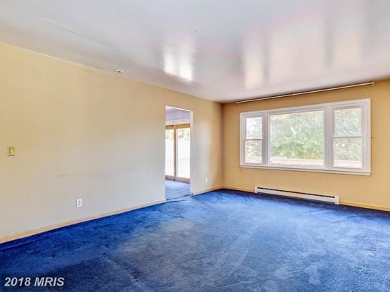 Split Foyer, Detached - CHESTER, MD (photo 5)