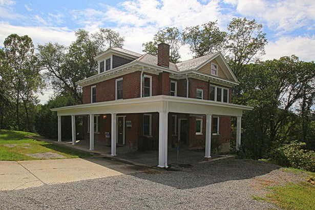 Residential, Foursquare - Vinton, VA (photo 1)