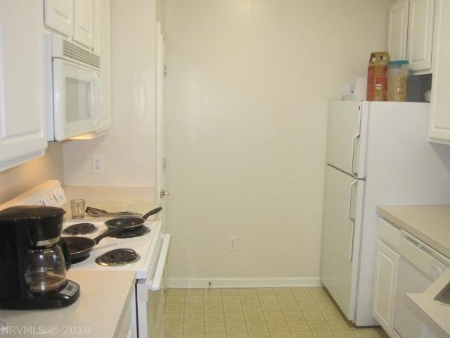 Condominium, Condo - Blacksburg, VA (photo 3)
