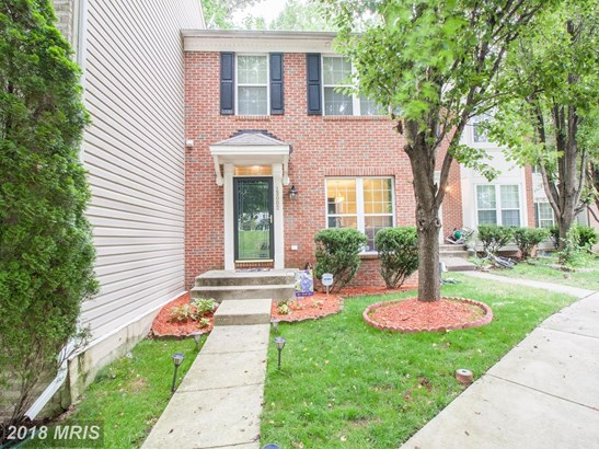 Colonial, Attach/Row Hse - UPPER MARLBORO, MD (photo 1)