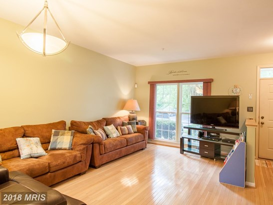 Colonial, Attach/Row Hse - UPPER MARLBORO, MD (photo 4)