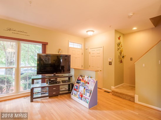 Colonial, Attach/Row Hse - UPPER MARLBORO, MD (photo 5)