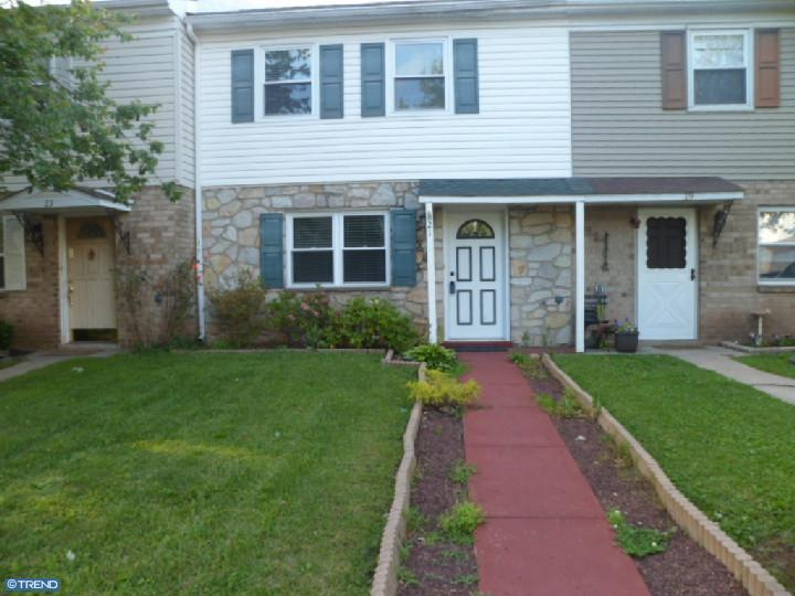 Row/Townhouse, Colonial - RICHLANDTOWN, PA (photo 1)