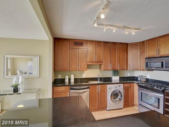 Hi-Rise 9+ Floors, Contemporary - TAKOMA PARK, MD (photo 5)