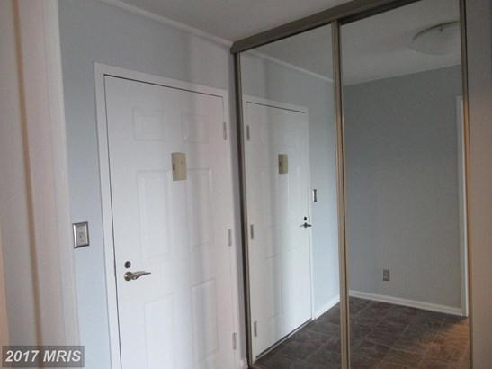 Hi-Rise 9+ Floors, Contemporary - ALEXANDRIA, VA (photo 2)