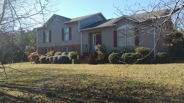 Tri-Level, Residential - Farmville, VA (photo 1)