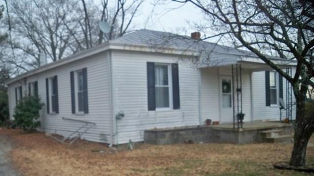 Residential, Ranch - Crewe, VA (photo 2)