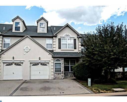 Row/Townhouse, Colonial - LANSDALE, PA