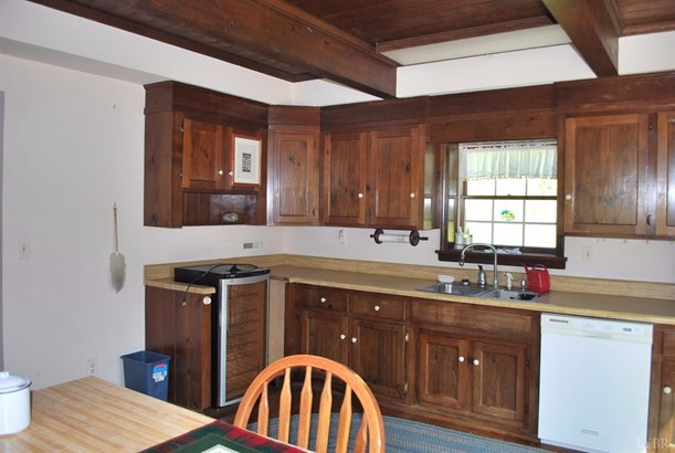 Single Family Residence, Other, See Remarks - Bedford, VA (photo 4)
