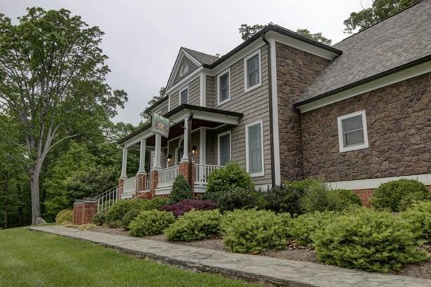 Residential, 2 Story - Thaxton, VA (photo 3)