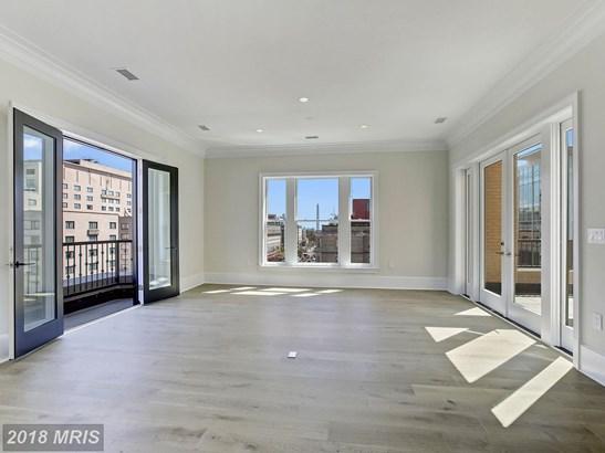 Mid-Rise 5-8 Floors, French Provincial - WASHINGTON, DC (photo 5)