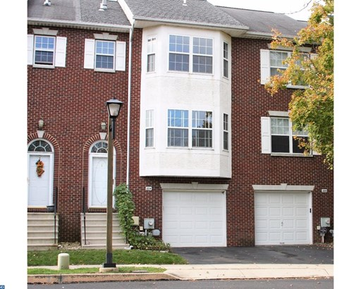 Row/Townhouse, Colonial - LANSDALE, PA (photo 1)