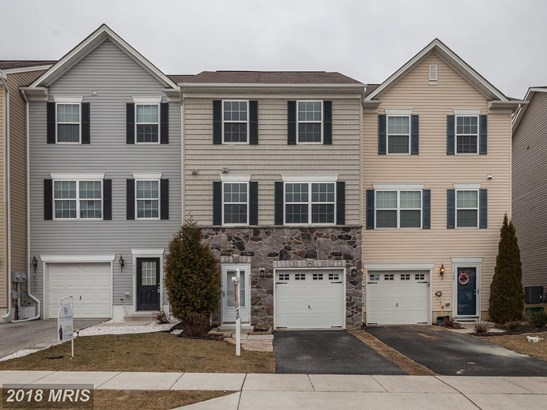 Townhouse, Colonial - HANOVER, PA (photo 1)