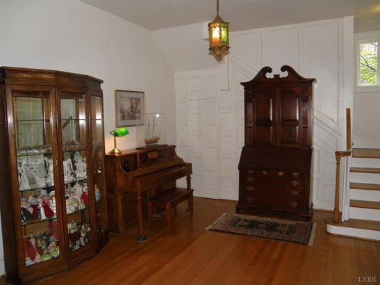 Single Family Residence, Victorian - Bedford, VA (photo 4)