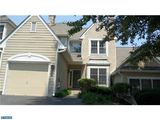 Colonial, Row/Townhouse/Cluster - BERWYN, PA (photo 1)