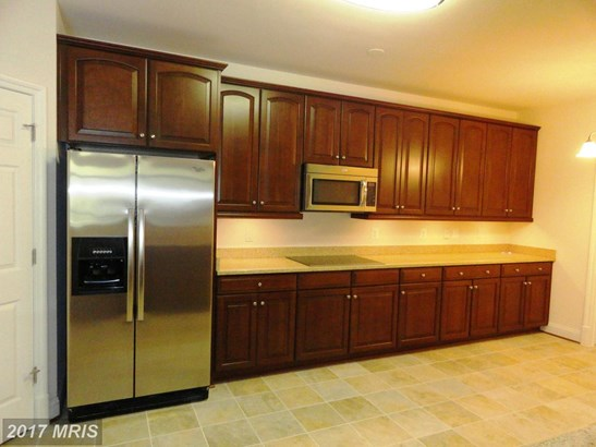 Rancher, Mid-Rise 5-8 Floors - BALTIMORE, MD (photo 4)