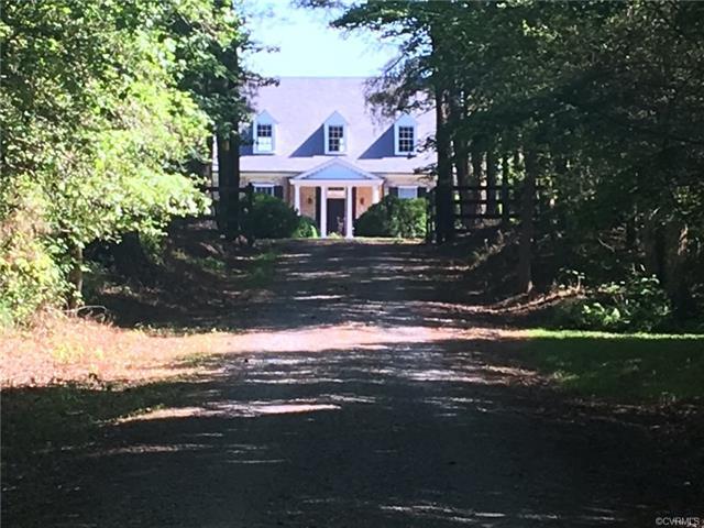 Cape, Colonial, Single Family - Saluda, VA (photo 2)