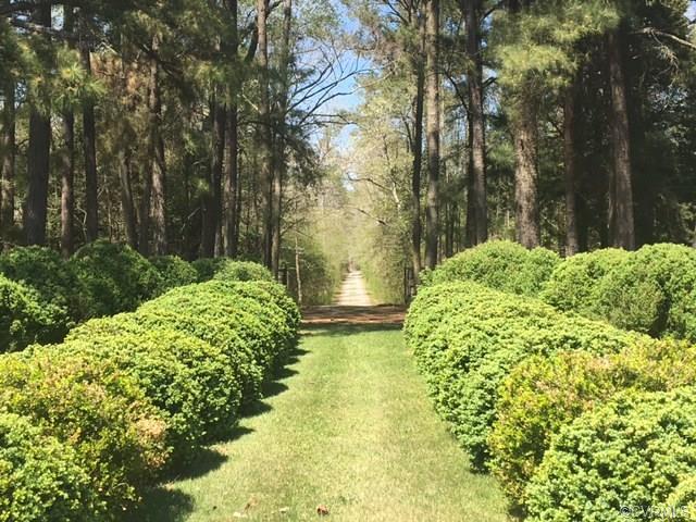 Cape, Colonial, Single Family - Saluda, VA (photo 3)