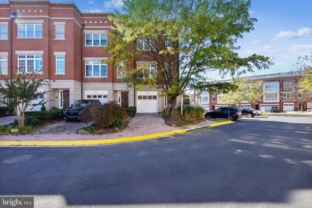 Townhouse, End of Row/Townhouse - RESTON, VA