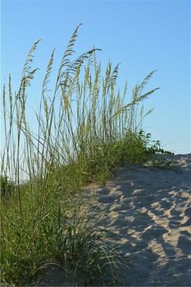 Transitional, Tri-Level, Single Family - Virginia Beach, VA (photo 3)