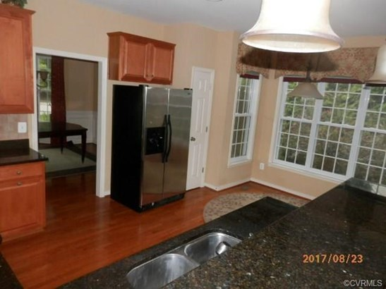 Transitional, Single Family - Chester, VA (photo 4)
