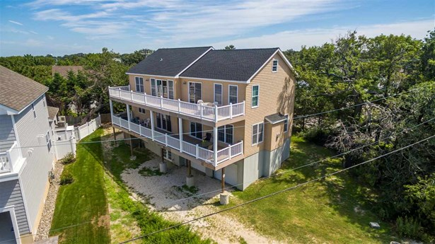 Three Story, Single Family - Cape May Beach, NJ (photo 4)