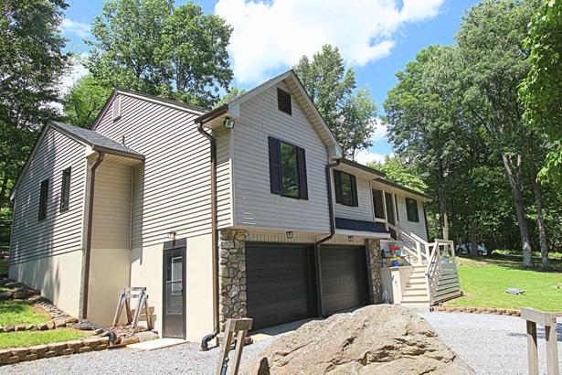 Residential, Contemporary - Bedford, VA (photo 4)