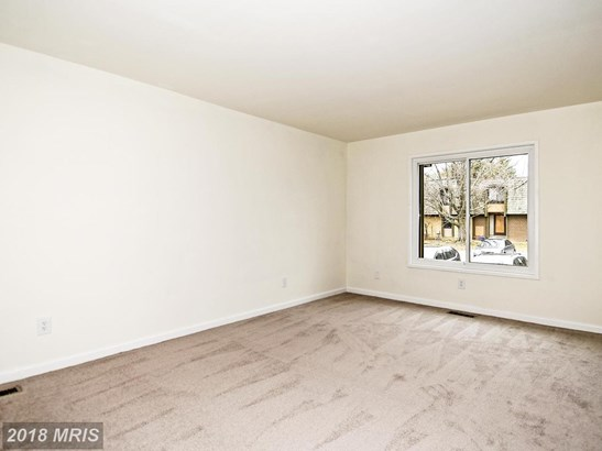 Townhouse, Contemporary - MONTGOMERY VILLAGE, MD (photo 3)