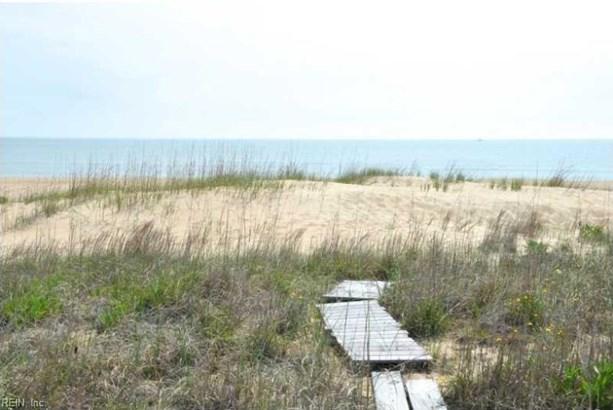 2 Unit Condo, Transitional, Condo - Virginia Beach, VA (photo 3)