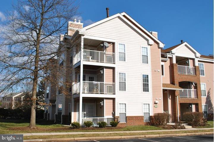 Unit/Flat/Apartment, Multi-Family - ASHBURN, VA