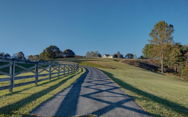Residential, Contemporary - Floyd, VA (photo 2)
