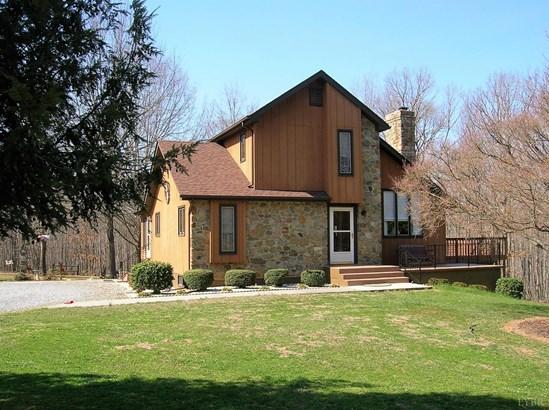 Single Family Residence, Contemporary - Rustburg, VA (photo 4)