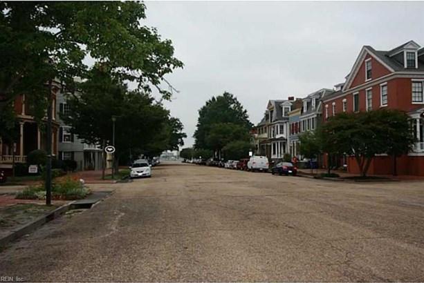 Condo, 2 Unit Condo - Portsmouth, VA (photo 5)