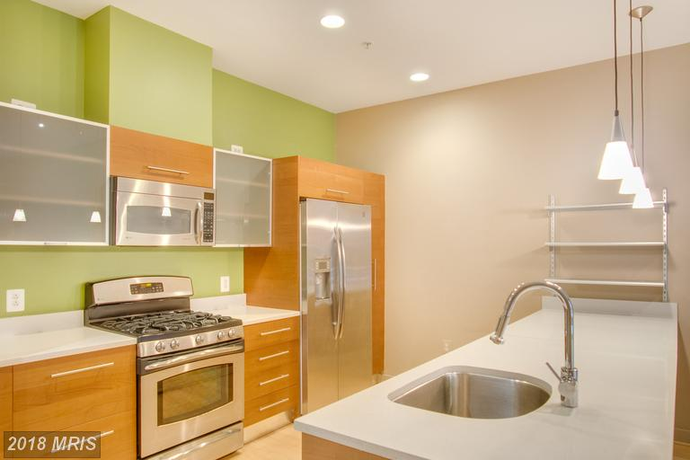 Mid-Rise 5-8 Floors, Contemporary - RESTON, VA (photo 2)