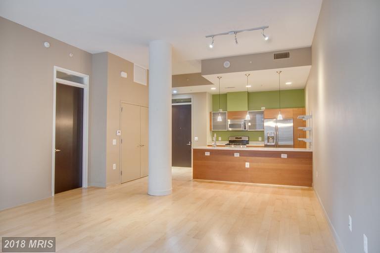 Mid-Rise 5-8 Floors, Contemporary - RESTON, VA (photo 5)