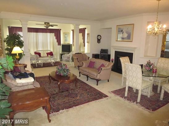 Mid-Rise 5-8 Floors, Traditional - UPPER MARLBORO, MD (photo 5)